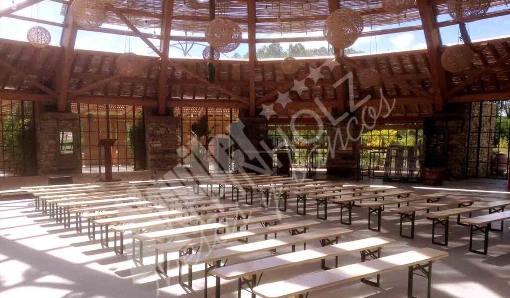 Bancos plegables de madera para fiestas de empresa